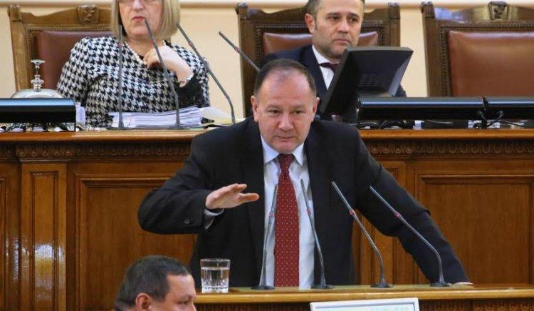Михаил Миков: Норма за представителство 50хил. за 3 млн. работници не е реално представителство